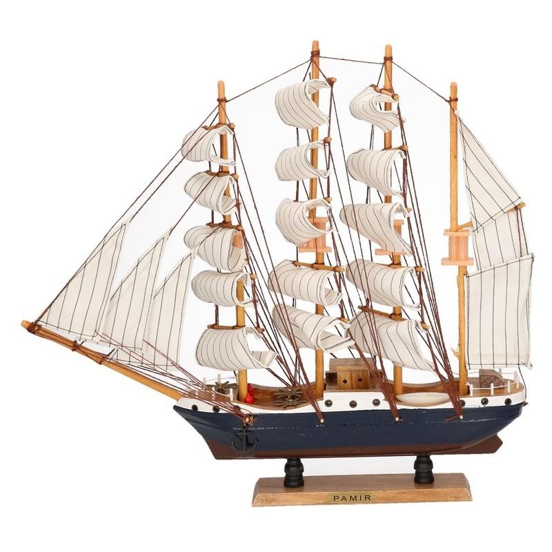 Tall ship Pamir